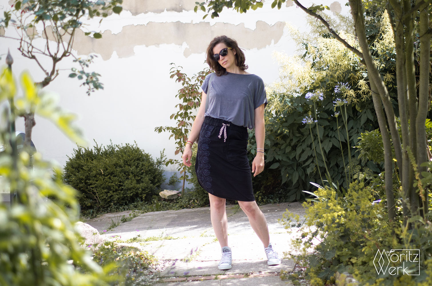 Roma Midi Skirt von Halfmoon Atelier und Strip Tee von Made it Patterns
